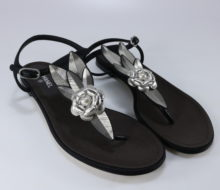 9a7b3093c2d4 Chanel 17P 40.5 Grosgrain Black Leaf Flower Camellia Thong Sandals B211